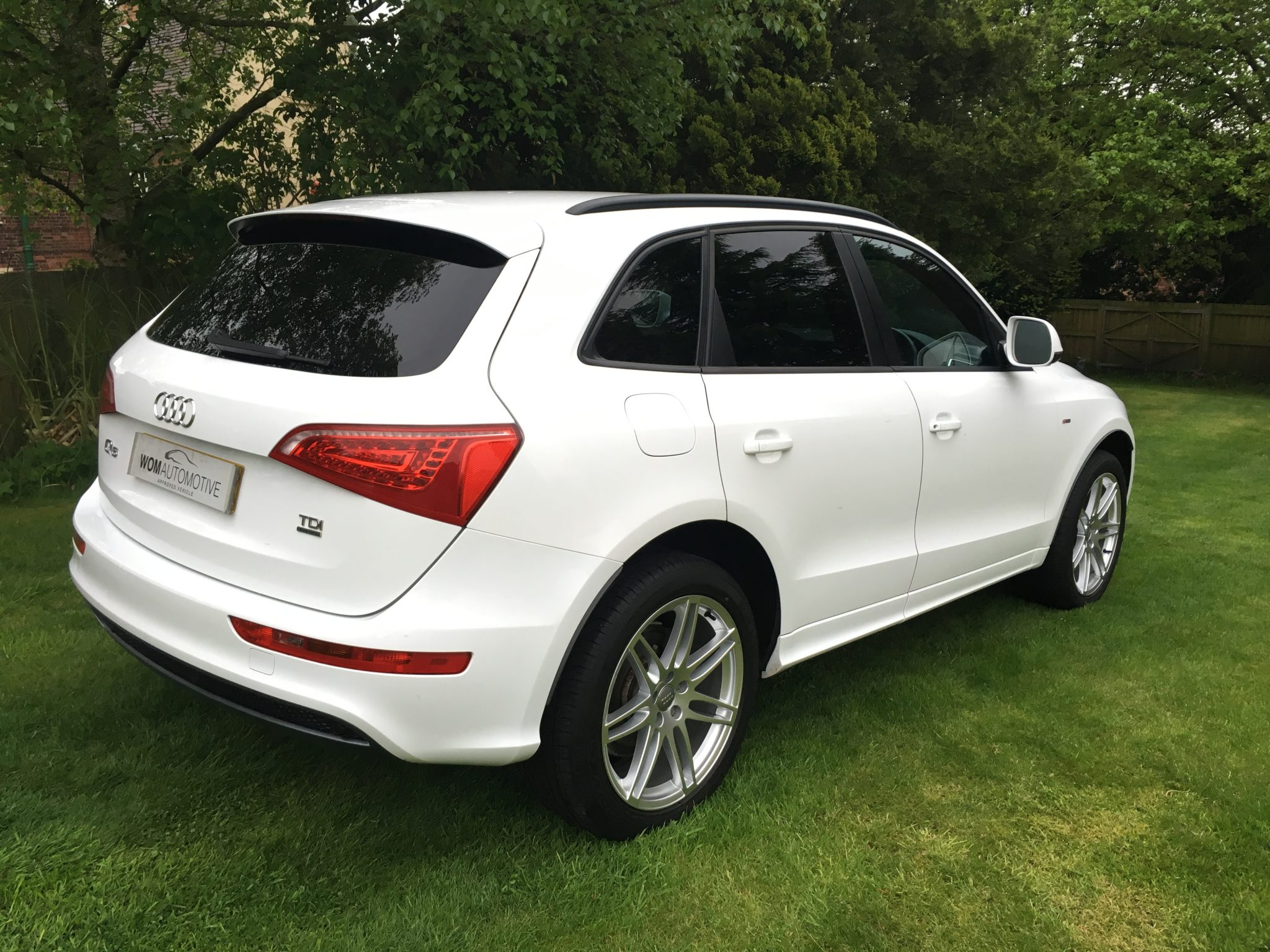 2009 59 audi q5 2 0tdi s tronic auto 170ps quattro s line 20 alloys white. Black Bedroom Furniture Sets. Home Design Ideas